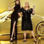 """Glam Girls""-Trailer: Anne Hathaway & Rebel Wilson schurkisch"