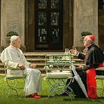"""The Pope"": Jonathan Pryce & Anthony Hopkins werden Netflix-Päpste"