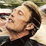 """Komplett besoffen: """"Der Rausch""""-Trailer mit Mads Mikkelsen"""