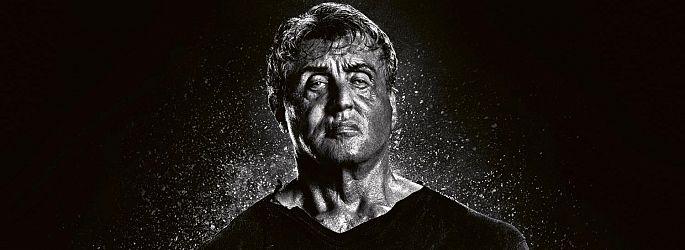 "Regisseur in Stellung! Sylvester Stallone teast fleißig ""Rambo 5"""