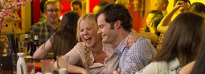 """Witzig-romantisch: Apatows """"Trainwreck"""" und Crowes """"Aloha"""" liefern Trailer"""