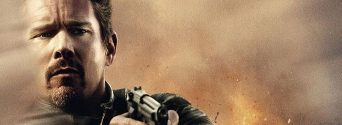 "Ethan Hawke total ""Crank"": Blutiger Trailer zu ""24 Hours to Live"""