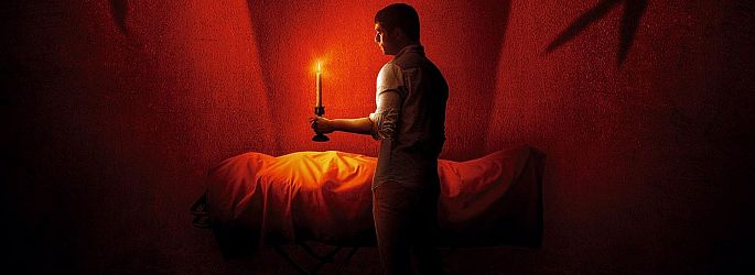 """Blumhouse-Schocker: Trailer zu """"The Vigil - Die Totenwache"""""""
