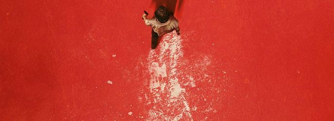 "Robert Forster & Werwölfe im ""The Wolf of Snow Hollow""-Trailer"