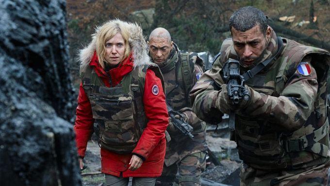 """Bild 2:Erster Blick auf """"War of the Worlds"""", Liam Hemsworth für Quibi-Thriller"""