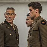 """""""Catch-22"""": Fotos der Clooney-Serie & Monströser Zachary Quinto in """"NOS4A2"""" (Update)"""