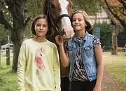 "Filmgalerie zu ""Hanni & Nanni - Mehr als beste Freunde"""