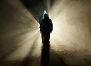 """Filmgalerie zu """"Devil in the Dark"""""""